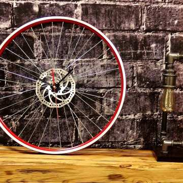 Uhr Red Wheel